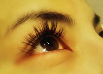 img_eye_lush02